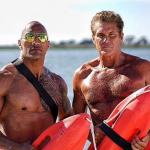 The Hoff en The Rock op Baywatch foto