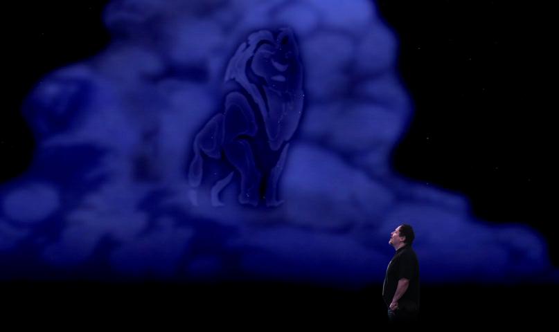 Jon Favreau loopt boos weg bij The Lion King interview 2