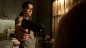 Michelle Rodriguez als transgender huurmoordenaar in The Assignment trailer