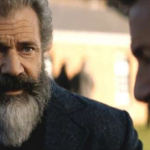 Sean Penn en Mel Gibson in The Professor And The Madman trailer