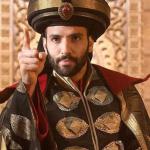 Netflix film The Old Guard met Marwan Kenzari en Charlize Theron