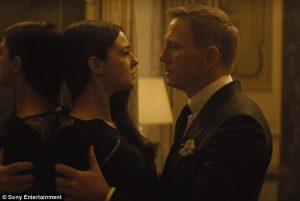 Daniel Craig en Monica Bellucci in nieuwe SPECTRE clip