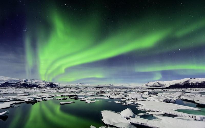 Fast 8 blaast IJsland op
