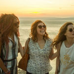 Trailer voor Netflix's Ibiza met Gillian Jacobs