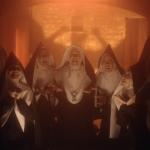 Good Omens | Zingende satanische nonnen verwelkomen de Antichrist