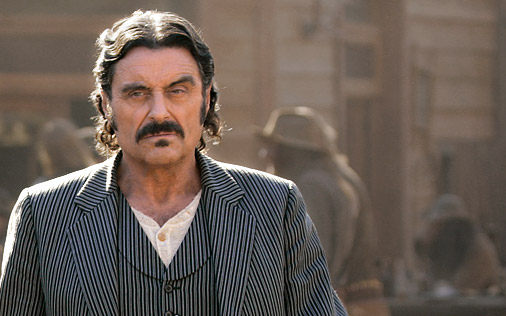 Ian McShane als Swearengen in Deadwood