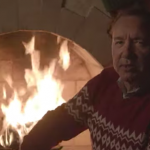 Kevin Spacey plaats nog een video als Frank Underwood: 'Kill Them With Kindness'