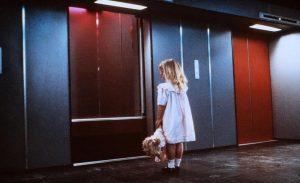 Still uit Nederhorror film De Lift